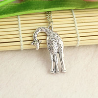 necklace--giraffe necklace,antique silver pendant,alloy chain