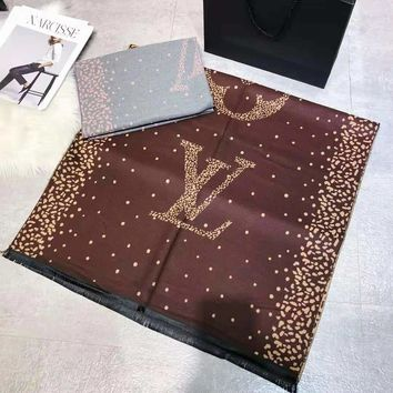 LV 2018 autumn and winter new pockmark letter jacquard double-sided warm scarf