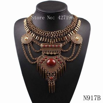 Chunky Alloy Chain Spike Crystal Pendant Bib Necklace