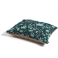 Nick Nelson Breezy Duo Pet Bed
