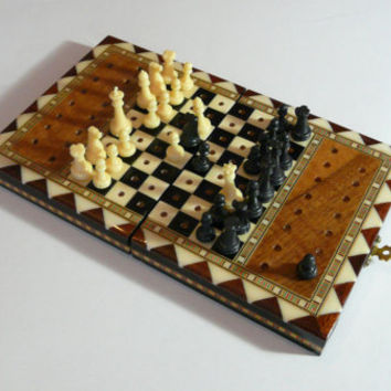 Vintage Handmade Chess Travel Chess, Collectible Wooden Folding Chess Game Board Set+plastic Pieces, Hand made vintage board