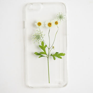 The Natural Refreshment (handmade pressed little white daisy flower phone case)