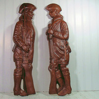 Vintage Oversized Colonial Soldiers ChalkWare Set - Retro Wall Hanging Plaster Pair - Dark Brown Woodgrain Look