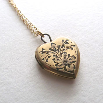1940s vintage sweetheart locket on delicate 14k gold plated chain, gold heart locket necklace