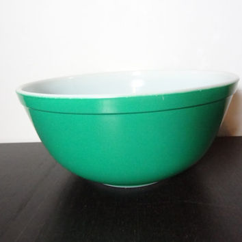 Vintage Pyrex Green 2 1/2 qt Mixing Bowl - Primary Nesting Bowl - Pyrex 403