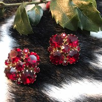 Amazing Deep Red Crystal Rhinestone Gem Goldtone Prong Held & Backed signed Weiss Earrings clip ons