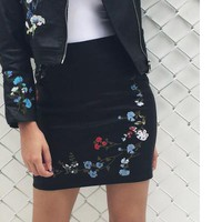 Vintage Embroidery Leather Pencil Skirt