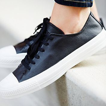 Converse Womens Sawyer Leather Low Tops