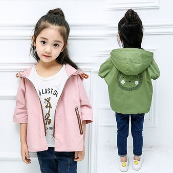 2018 Spring girls lion windbreaker children's cotton seven-point sleeve cape men and women baby coat