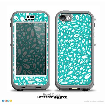The Teal and White Floral Sprout Skin for the iPhone 5c nüüd LifeProof Case