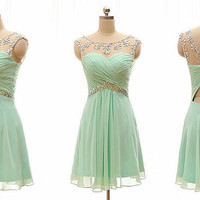 Beuatiful Chiffon Crystal Short Green Homecoming Dress Pleated Open Back Beaded