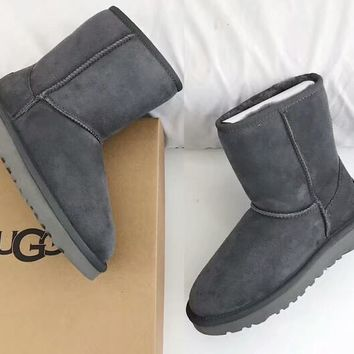 UGG 2018 new flat bottom casual tube female models plus velvet warm anti-skiing boots
