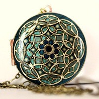 Locket Starlight Upcycled Vintage Locket