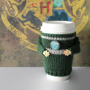 Slytherin travel mug cozy. Harry Potter coffee warmer. Witchcraft Wizardry school alumni. Hogwarts cup sleeve. Slytherin sweater. Teen gift