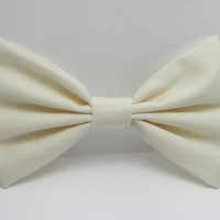 Ivory Bow Clip Ivory Hair Bow Clip - Cream bow Ivory Big Bows White Fabric Bow Baptism Hair bow for teens women bows handmade bow basic bow