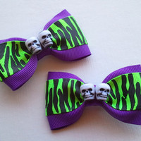 Psychobilly PinUp Neon Green Hair Bow Set with Skulls