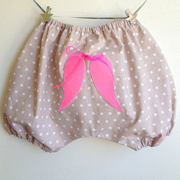 Bloomers French Style / Girls Shorts / Diaper Cover for toddlers / Girls - Little Angel Wings on back - Sizes available from 1T to 6Y
