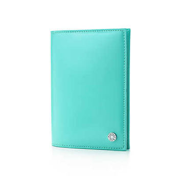 Tiffany & Co. - Passport cover in Tiffany Blue® patent leather.