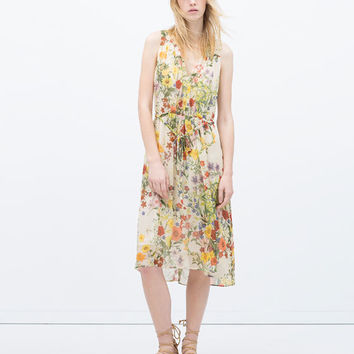 Floral dress with front gathering