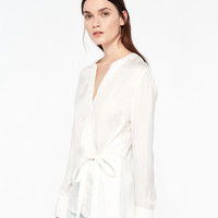 Long-Sleeved Top With Tie Fastening