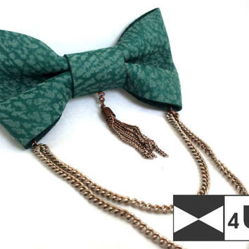 Green Leather Bow Tie Bowtie with chains Real Leather Necktie Fancy Special Wedding Bow Tie Groomsmen Bow Tie Man Men Lady Dickie Bow Gift