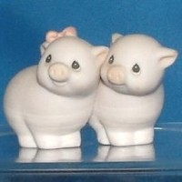 Precious Moments - Two By Two Pigs Figurine 530085