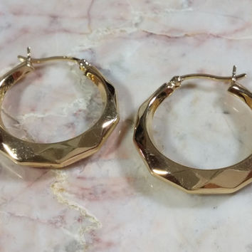 Vintage Gold Hoop Earrings Sterling Silver Gilt Gold Vermeil Round Tapered Thin to Thick Diamond Cut Pattern Creates Delightful Sparkles!