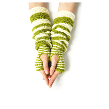 Pippi's STRIPED Wrist Warmers, Crochet Fingerless Gloves, Lime Cream Stripe Arm Warmers, Christmas, Valentines, Gift for Her, Warm and Cozy