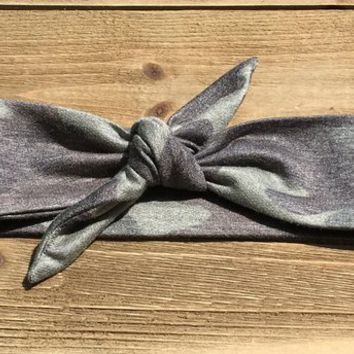 Camo Headband- Camouflage Headband; Baby Headwrap; Baby Head Wraps; Tie Knot Headband; Girls Headbands; Top Knot Headband; Camo; Tie Knot