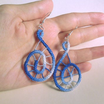 Spiral romanian point lace earrings, crochet, blue ombre, handmade sewed earrings, simple, spiderweb