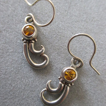 14Kt White Gold Yellow Sapphire Earrings
