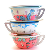 Tin Toy Tea Cups & Saucers, Poodle and Birds in pink, blue, white.