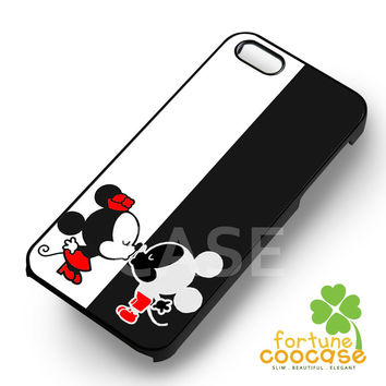 Disney Mickey Mouse and Minnie Mouse Couple Kissing Mouse -3ind for iPhone 6S case, iPhone 5s case, iPhone 6 case, iPhone 4S, Samsung S6 Edge