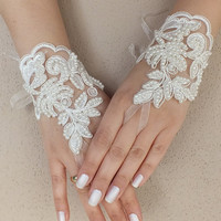 wedding gloves ivory Wedding Glove, Fingerless Glove, High Quality lace, ivory wedding gown, handmade