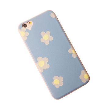 Cute Flower Print iPhone Case in Pink or Blue