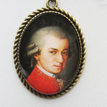 Amadeus cameo pendant necklace, W.A.Mozart, Barbara Kraft, musician gift, portrait pendant, classic art, antique bronze, UK seller