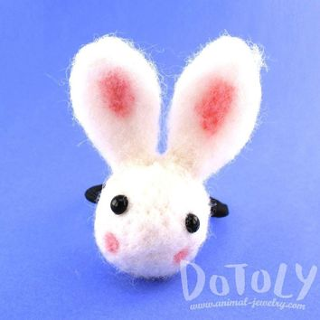 Needle Felted Wool Bunny Rabbit Hair Tie in White | DOTOLY
