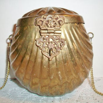 Vintage Clamshell Purse Brass Art Deco Fashion Accessories