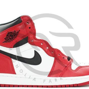 PEAPUX5 AIR JORDAN RETRO 1 HIGH OG - CHICAGO (2015)