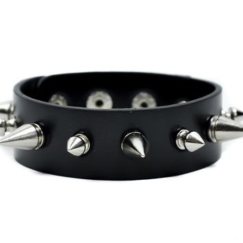 Alternate Spike Black Wristband Faceted Spiked Bracelet