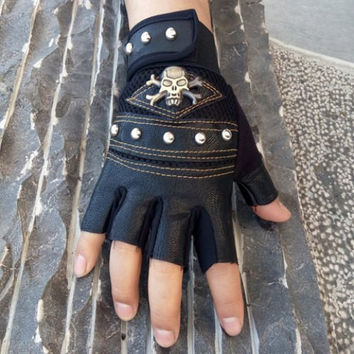 Gloves For Men Faux Leather Skull Rivet Outdoor FREE SHIPPING!!!
