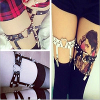 Beautiful Sexy Heart Garters Belt for Women Harajuku Pastel Goth Harness Leather Garter Stockings Summer Style Leg Rings