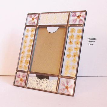 Vintage Handmade Picture Frame, Pressed Flower and Lace / Glass