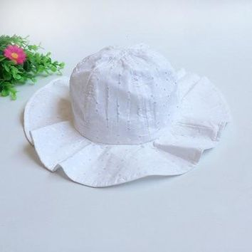Spring and summer Korean children's hollow basin hat baby wave point sun hat travel visor boy girl fisherman hat