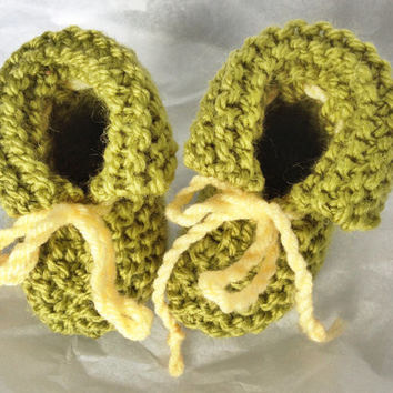 Handknit Baby Booties - Gender Neutral Baby Clothes - Baby Clothes - Yellow Green Baby Booties - Warm Knit Baby Slippers - Newborn Clothing