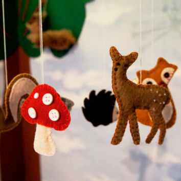 Forest Baby Mobile felt, Nursery Crib, Crib mobile, Nursery decoration, woodland crib mobile with deer, hedgehog,fox,mushroom,squirrel,bird