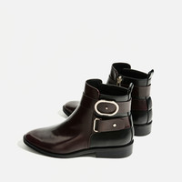 CONTRAST BUCKLE ANKLE BOOTS DETAILS