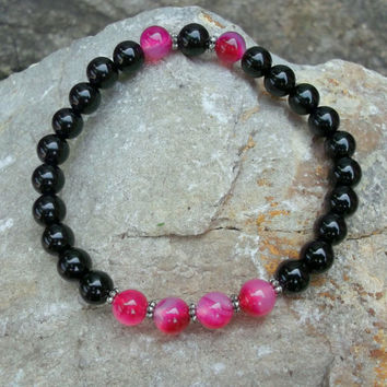 Eclectic Boho chic onyx pink agate handmade stretchy bracelet for women, Bohemian style fashionable stone jewelry for any outfit