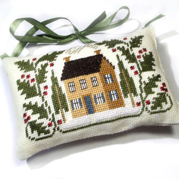 Christmas ornament primitive mini green pillow, Christmas tree decor American country primitive decor, Completed finished cross stitch
