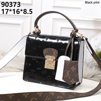 LV 2019 new women's fashion versatile shoulder bag shoulder bag Messenger bag black